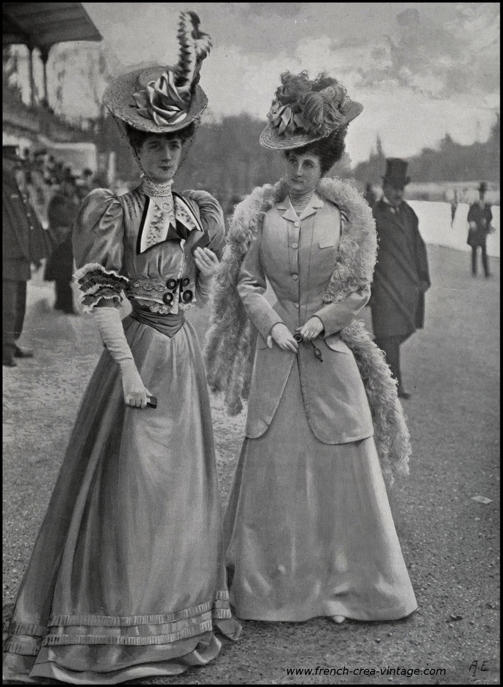 sur le champ de courses en 1905